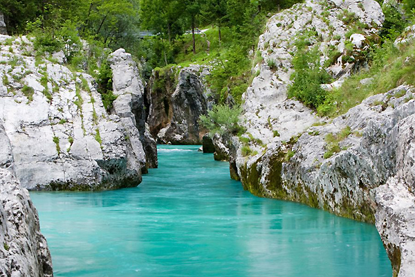 Strolling within Slovenia -- The actual Magnificent Julian Alps as well as Stunning Soca Water Area